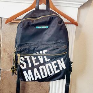 🆕️ STEVE MADDEN Big Logo Nylon Zip Close Backpack